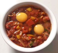Shakshuka - Moroccan Baked Eggs - Emma Eats & Explores How To Make Breakfast, Baked Eggs, Chana Masala, Grain Free, Moroccan, Chili, Paleo, Soup, Vegetarian