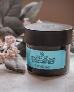 Charcoal Mask Review, Charcoal Face Mask, Body Shop Skincare, Body Shop Products, Beauty Products, Shopping Products, Skin Products, Homemade Essential Oils, Young Living Essential Oils