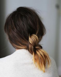 Hair Inspiration How To Low Knotted Knot Ponytail Ombre Hair Knot Ponytail, Hair Knot, Knot Braid, Messy Ponytail, Messy Buns, Braid Hair, Summer Hairstyles, Pretty Hairstyles, Quick Hairstyles