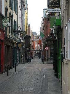 Narrow street in Dublin
