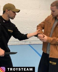 Martial Arts Styles, Martial Arts Techniques, Self Defense Techniques, Mixed Martial Arts, Krav Maga Self Defense, Self Defense Moves, Self Defense Martial Arts, Martial Arts Workout, Martial Arts Training