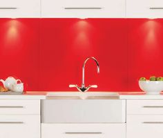Splashbacks glass tiles for bathrooms and kitchens in Medway - Rochester, Uk, splashbacks made of glass.