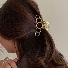 Tortoise Hair, Piercing, Beauty Packaging, Hair Claw, Gold Hair, Hair Accessories For Women, Hair Barrettes, Big Hair, Up Hairstyles