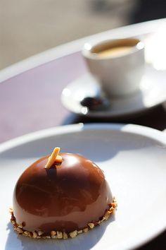 Domes glacés au chocolat et caramel beurre salé | Caramelaubeurresale.net