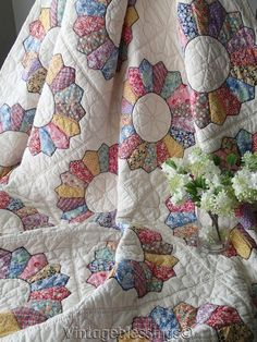 """The BEST Feedsacks! Large Vintage 30s Dresden Plate QUILT 98x81"""""""