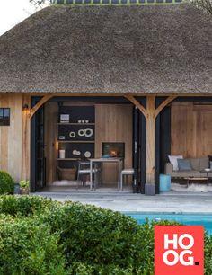 Luxe en warmte - Hoog ■ Exclusieve woon- en tuin inspiratie. Garage Doors, Villa, Outdoor Decor, Modern, Design, Home Decor, Lush, Trendy Tree, Decoration Home