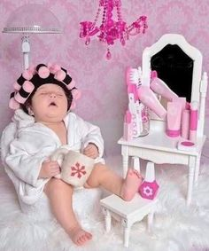 Lifestyle of a hairstylist  Funny Baby Pictures, Baby Girl Pictures, Newborn Baby Photos, Baby Poses, Cute Baby Pictures, Newborn Pictures, Baby Girl Newborn, Baby Baby, Cool Baby