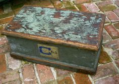 Vintage Trunk - Wood - Shabby Cottage - Chest - Coffee Table - Furniture