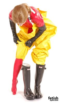 Let me put my beatiful feet in latex socks then in the lovely black wellies Latex Gloves, Rubber Gloves, Rubber Shoes Outfit, Pvc Trousers, Mudding Girls, Latex Bodysuit, Hazmat Suit, Vinyl Clothing, Rain