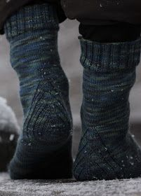 Vanilla is the new black sukat Leg Warmers, Knit Crochet, Knitting, Clothes, Black, Vanilla, Fashion, Outfit, Moda