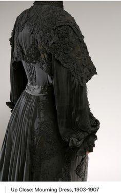 Gothic Fashion, Victorian Fashion, Vintage Fashion, 1900s Fashion, Witch Fashion, Victorian Goth, Victorian Costume, Antique Clothing, Historical Clothing