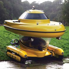 This is the partially submersible watercraft that provides above- and underwater viewing options, driving right off a trailer and into the water without the need for a crane, tender vessel, or dock.