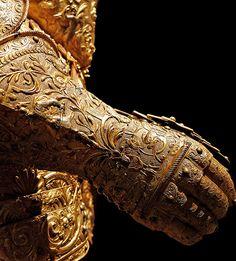 "museum-of-artifacts: "" The Golden Gauntlet, Henri III of France's armour (detail), "" Armadura Medieval, Ancient Armor, Medieval Armor, Renaissance, Samurai, Landsknecht, Knight Armor, Arm Armor, Costumes"