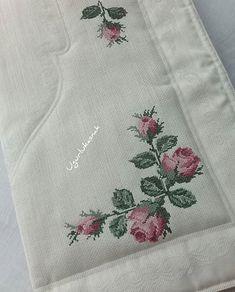 Cross Stitch Borders, Cross Stitch Rose, Cross Stitch Flowers, Cross Stitch Designs, Embroidery Fashion, Crewel Embroidery, Cross Stitch Embroidery, Josi, Crochet Bedspread