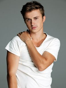 wow, such a handsome fella.  and his accent is one of my all-time faves.  oh, and he can dance! [ Kenny Wormald ]