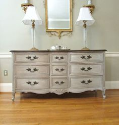 French dresser painted with ASCP layers of Old Ochre, then Paris Grey, then French Linen, and finally Old White. Painted Bedroom Furniture, Chalk Paint Furniture, Refurbished Furniture, Repurposed Furniture, Furniture Projects, Furniture Makeover, Vintage Furniture, Cheap Furniture, Discount Furniture