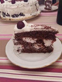 Feketeerdő torta, csodás ízvilág, ínycsiklandó krémes finomság! Valódi ünnepi csoda! - Egyszerű Gyors Receptek Tiramisu, Ethnic Recipes, Food, Essen, Meals, Tiramisu Cake, Yemek, Eten