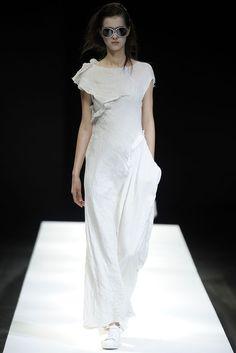 Yohji Yamamoto Spring 2009 Ready-to-Wear - Collection - Gallery - Style.com