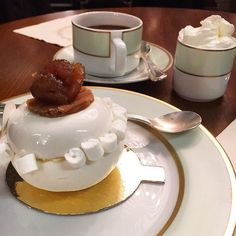 Meet the Mont-Blanc Agrumes from @laduree_london Meringue with marmalade chantilly cream & candied chestnut is topped with chestnut cream & vermicelli chestnuts. Accompanied with the obligatory #delicious #Laduree hot chocolate #chocolate #yum #instafood #foodstagram #instatravel #london #pastry #dessert #frenchfood