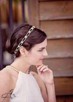 Totally gorgeous headpiece for your wedding day hair. So gorgeous! You can win your own similar piece with our giveaway... | http://www.weddingpartyapp.com/blog/2014/10/09/win-gorgeous-bridal-accessories-wedding-day-style-jills-boutique/