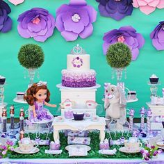 How gorgeous is this Sofia the First Tea party from @mipiacemesasdulces! 🎀🎀🎀🎀 I love the stunning dessert table. It's a wish come true for every little princess! Click our bio link to see all 26 party photos. ☕️🍶☕️🍶 . . #catchmyparty #partyideas #birthday #hbd #happybirthday #birthdaygirl #Sofiathefirst #disney #babygirl #follow #birthdaygirl #disneyprincess #kingdom #crown #teaparty #friends #cookies #sweets #partyplanning #partystyle #twitter #tablescape #teatime #princess…