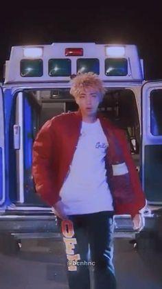 Namjoon, Bts Taehyung, Bts Jungkook, Bts Mv, Bts Aegyo, Bts Memes Hilarious, Bts Funny Videos, Foto Rap Monster Bts, Kpop Gifs
