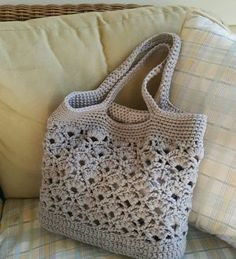 Daisy Fields Market Tote - Free Crochet Pattern - The Lavender Chair