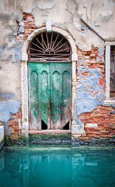 The doors of Venice, Italy - Photo by Scott Marx - https://500px.com/photo/32341425/green-door-by-scott-marx