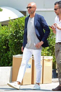 無地Tシャツを6カテゴリーに分けて注目のコーデ&おすすめアイテムを紹介!   男前研究所 Bald Men Style, Gq Mens Style, Casual Jeans, Casual Outfits, Men Casual, Fashion Outfits, Jacket Style, Suit Jacket, Dope Fashion