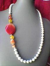 COLLANA DONNA CON PIETRE VERE DURE ARANCIONI E PERLE DI BOEMIA . CM.65 Gems Jewelry, Stone Jewelry, Jewelry Crafts, Beaded Jewelry, Jewelery, Jewelry Necklaces, Beaded Bracelets, White Necklace, Diy Necklace