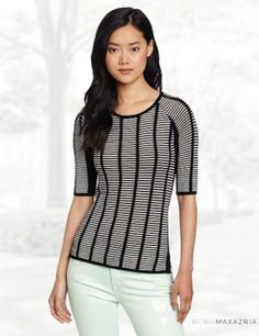 BCBGMAXAZRIA Women's Selby Slashed Boxy Pullover Sweater