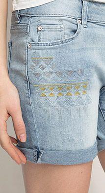 Esprit / Embroidered stretch denim shorts