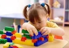 In addition to developing motor skills and hand-eye coordination, block play can also help foster creativity, enhance problem-solving ability and build other cognitive, emotional and social skills. Educational Toys For Kids, Kids Toys, Children Play, Young Children, Nursery Teacher Training, Kita Portal, Tae Kwon Do, Rainy Day Activities For Kids, Kid Activities