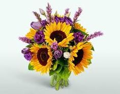 22 Colorful Fall Flower Arrangements and Autumn Table Centerpieces fall flower arrangements autumn colors table centerpieces The post 22 Colorful Fall Flower Arrangements and Autumn Table Centerpieces appeared first on Easy flowers. Bridal Flowers, Fall Flowers, Pretty Flowers, Indoor Flowers, Happy Flowers, Flowers Garden, Fall Table Centerpieces, Flower Centerpieces, Flowers Decoration