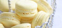 Ricetta Macaron al cocco una delle migliori ricette Macarons della cucina francese. Il livello di difficoltà è medio.