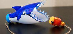 Juguetes tradicionales: boliche con forma de tiburón #manualidades #DIY
