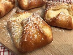 Backen mit Christina … | Mini – Topfengolatschen Cake Cookies, Cupcakes, Mini, Deserts, Muffin, Food Porn, Bread, Dishes, Cooking