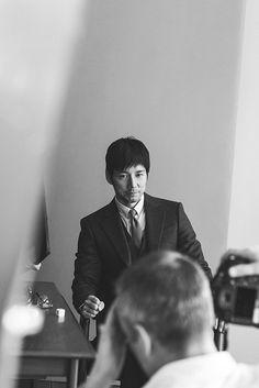 ジョルジオ アルマーニ(Giorgio Armani)は、スーツなどのオーダーライン「メイド トゥ メジャー」の新ビジュアルに、俳優・西島秀俊起用。日本人で初めて、西島がジョルジオ アルマーニラインの...