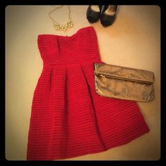 Forever 21 Red Sweetheart Dress❤️ One of the cutest pieces you could add to your wardrobe! Love this dress! Only worn once Forever 21 Dresses Strapless