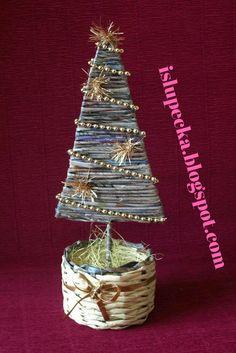 Boże Narodzenie - chinka z papierowej wikliny Christmas Ornaments, Holiday Decor, Home Decor, Paper Envelopes, Decoration Home, Room Decor, Christmas Jewelry, Christmas Decorations, Home Interior Design