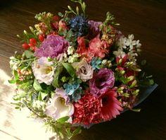 花ギフトのプレゼント【BFM】 渋い明るさ そんなフラワーアレンジメント http://www.basketflowermarkets.com
