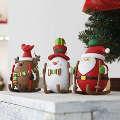 Muñecos Handmade Christmas Crafts, Easy Christmas Ornaments, Polymer Clay Christmas, Christmas Sewing, Noel Christmas, Polymer Clay Crafts, Christmas Balls, Xmas, Wafer Paper Flowers