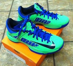 3323ff10bf35 NEW IN BOX MENS NIKE HYPERDUNK LOW POISON GREEN HYPER BLUE SIZE 10.5 Eagles  Jacket