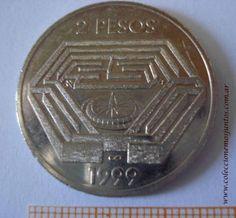 Moneda argentina conmemorativa del centenario de Jorge L. Borges- Laberinto - Anverso    Moneda de 2 pesos del año 1999 - Centenario del nacimiento de Jorge Luis Borges. Se observa un laberinto, en el cual están los signos del infinito y la letra Aleph, primera del alfabeto hebreo