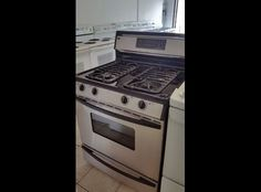 Jenn Air Stainless Steel GAS Convection Range/Oven (can deliver)