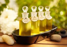 The Top 10 Brands of Natural and Organic Facial Oils for Soft, Glowing Skin Natural Essential Oils, Essential Oil Blends, Holistic Remedies, Natural Remedies, Arthritis, Organic Facial, Organic Oils, Bath Recipes, Facial Oil