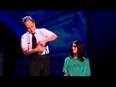 I want to know and I don't want to know how he does this - Penn & Teller: Fool Us - Fishbowl Trick