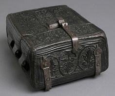 Front view of 15th century case for a book.