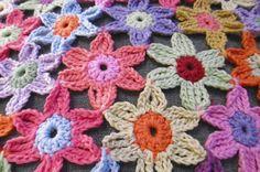 Susan Pinner: CROCHET PATTERN: Sussex Flower Mat, Cushion, tablecloth or wrap...