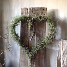 Iconosquare – Instagram webviewer - Marijke Schaap - #Iconosquare #Instagram #Marijke #Schaap #webviewer Wreaths And Garlands, Door Wreaths, Grapevine Wreath, Nordic Christmas, Natural Christmas, Xmas, Corona Floral, Christmas Wreaths, Christmas Decorations